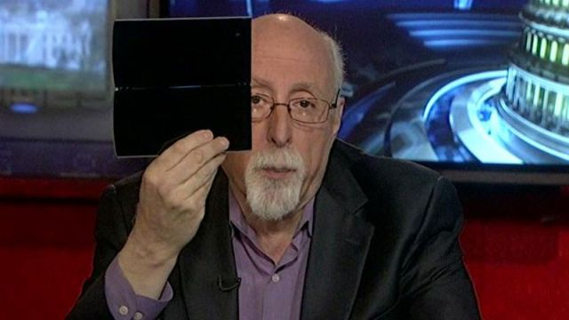 WSJ Personal Technology Columnist Walt Mossberg reviews Sony's Tablet P.