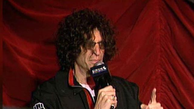 FBN's Dennis Kneale on whether Howard Stern will leave Sirius at the end of his 5-year deal.