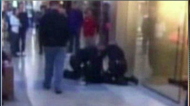Woman Tasered for Trying to Buy Too Many iPhones?